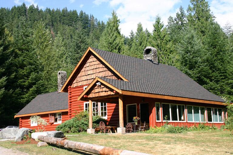 Copper Creek Lodge in Summer
