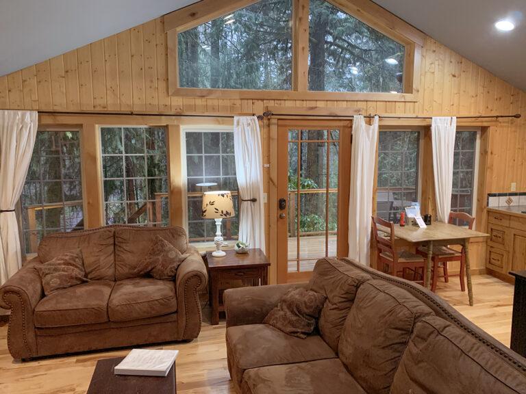 Muir Cabin Living room