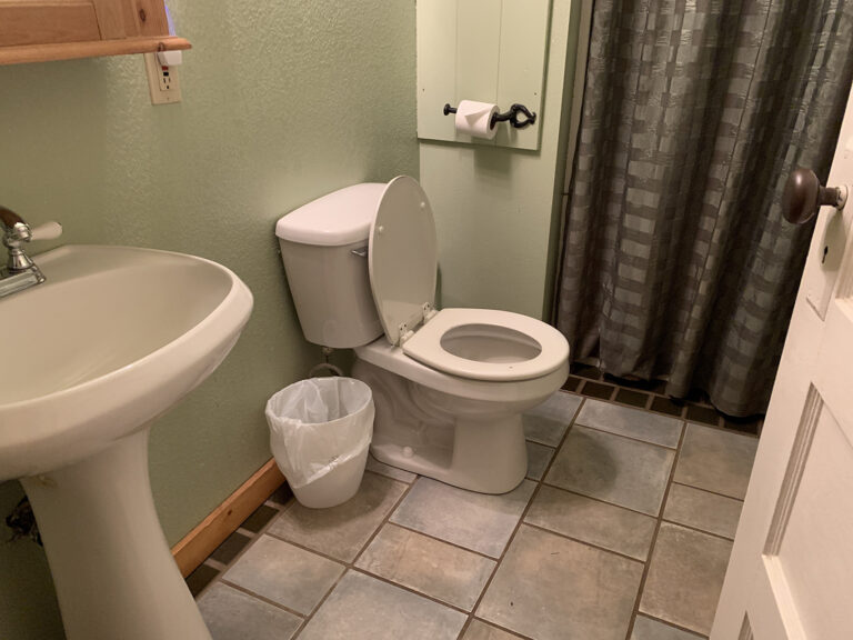 Frenchie's Suite private bathroom with shower