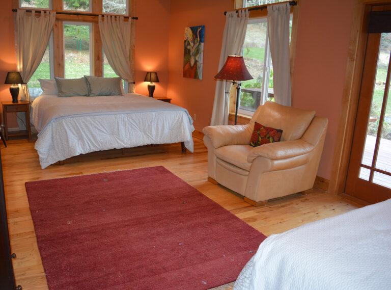 Bedroom 3 has 2 king beds